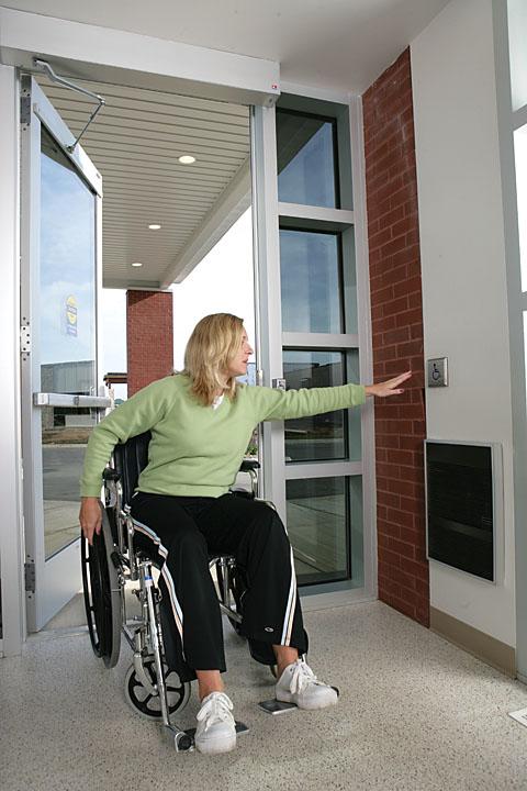 Handicapped Door Amp Eclisse Sliding Door System Disabled